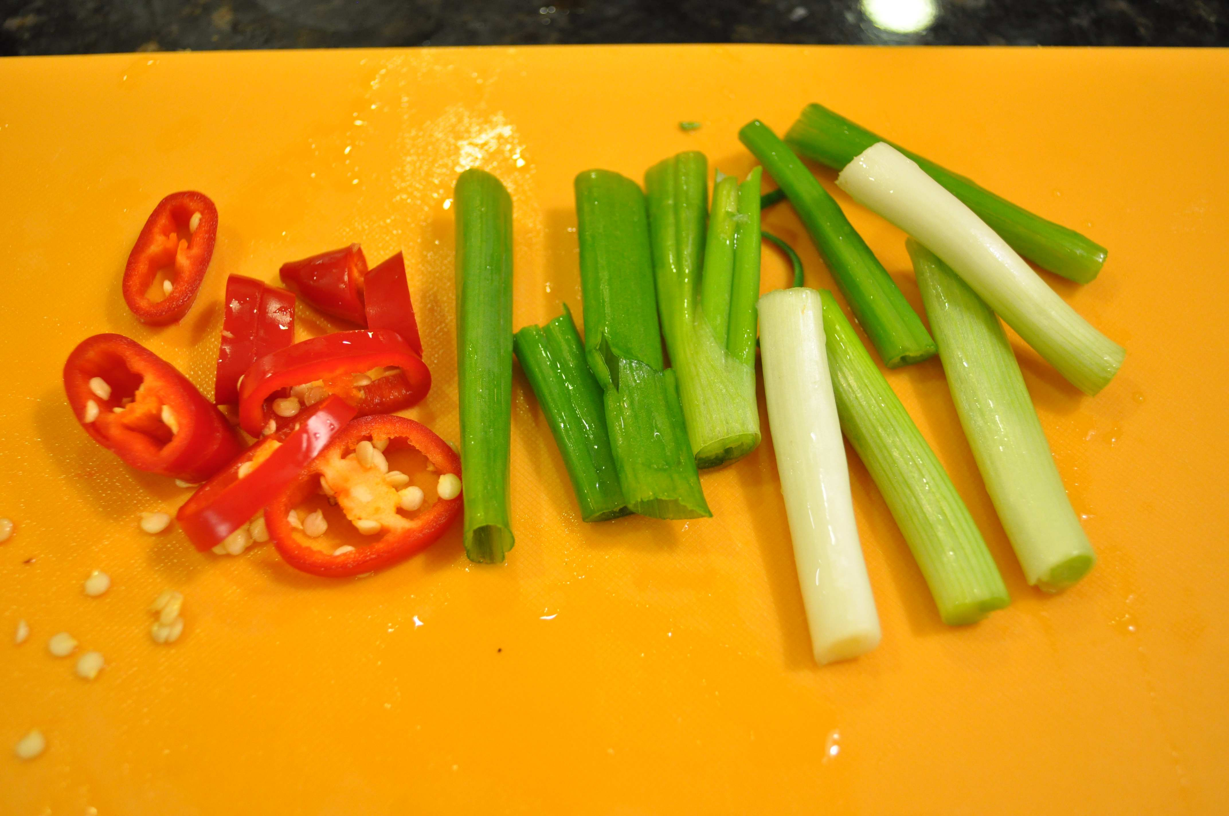green onions and red pepper for Gongchi Jorim