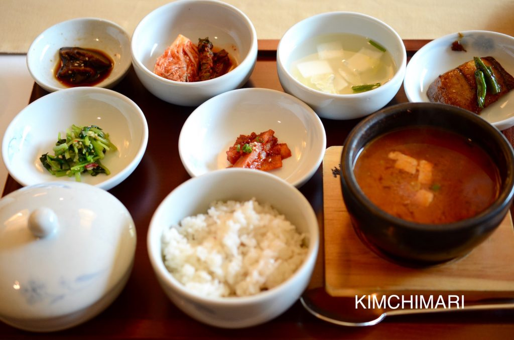 Rice with Deonjang Jjigae and other banchan (Sura 수라)